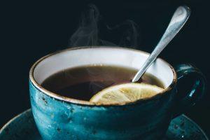 چای بابونه بیشتر به خاطر خاصیت آرام بخشیش شناخته شده است و خواب آوره.
