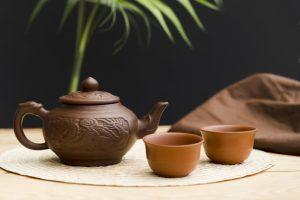 تحقیقات نشون داده که چای مریم گلی روی پلاکهای مغزی در بیماری آلزایمر، خیلی تأثیر می ذاره و عصاره و یا روغن گیاه مریم گلی باعث بهبود عملکرد افراد مبتلا به آلزایمر شده.