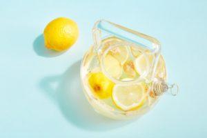 چای لیمو برای کم کردن فشار خون، کم کردن التهاب و درد و بهبود هضم خیلی کاربرد داره